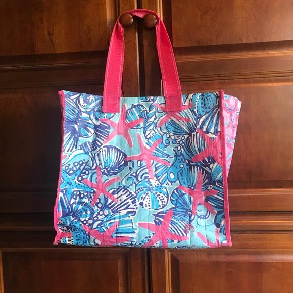 bb420188005877 Lilly Pulitzer Handbags - Lilly Pulitzer Market bag in She She Shells